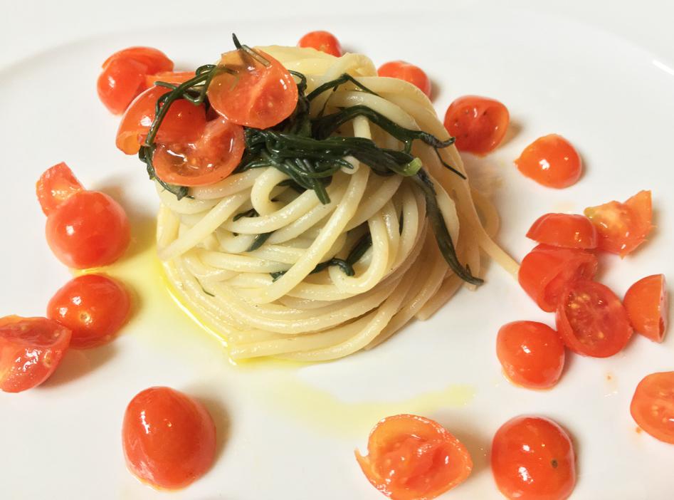 spaghetti con agretti al profumo di primavera